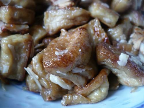 karamellizált tofu