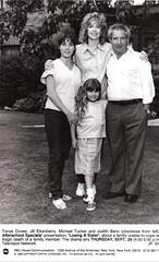 A_Family_Again_press_photo