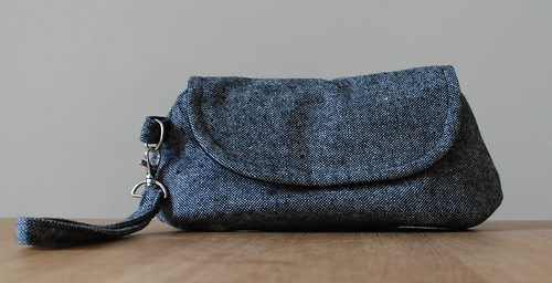 woolly curvy clutch