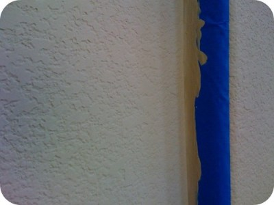 the amazing textured wall paint trick Kimberly Michelle a working