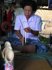 splitting bamboo for spokes