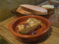 Tortilla Espanola and Pan con Tomate - Bebida