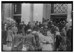 Bread line - Dayton (LOC)