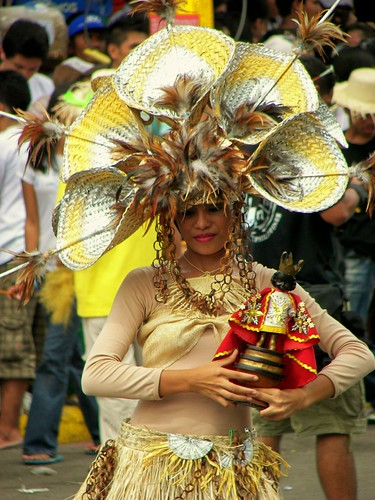 Sinulog Parade 2009 by you.