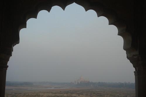 Agra Fort 1-24 遠眺 Taj Mahal