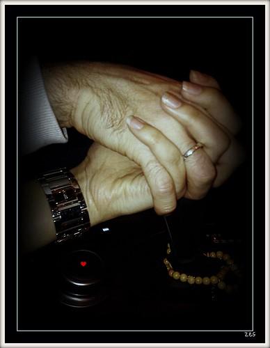 ♥ love is.... by ♥ღEsmA♥ღ ♥ღ♥ღmola....