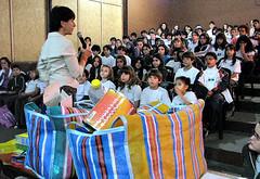 Maria Júlia Labate ministra palestra para alunos do Ensino Fundamental