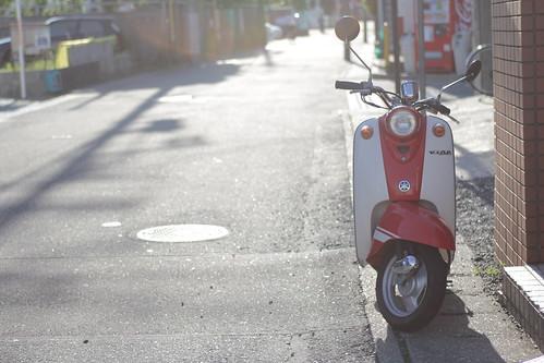retro-styled Yamaha by kamuscasio