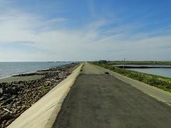 左邊是海岸