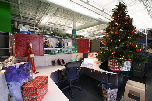 """Christmas Cube"""