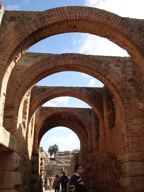 Entrando al teatro romano de Mérida
