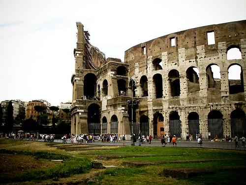 고대 원형 경기장 콜로세오