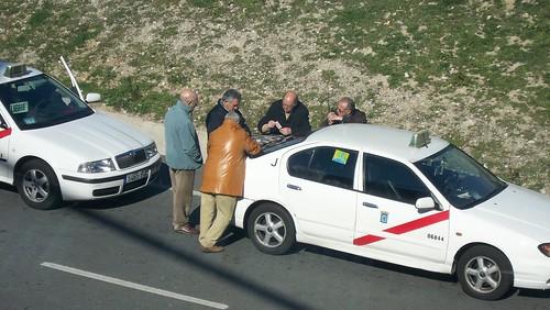 Taxistas madrileños jugando al mus