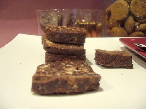 Cioccolatini agli amaretti per un caffè