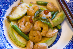 Stir-fried shrimp and summer vegetables