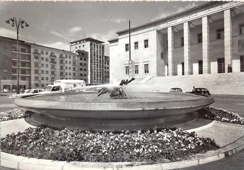 postcard - bolzano - piazza italia e fontana naiadi - 1964