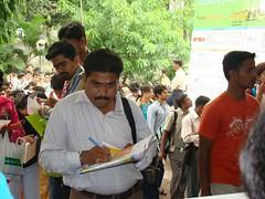participants_filling_forms