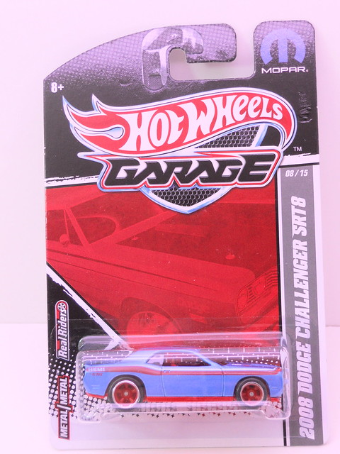 hot wheels garage 2008 dodge challenger srt8 blue (1)