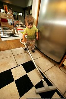 kindergartener supervising infant labor - _MG_1339