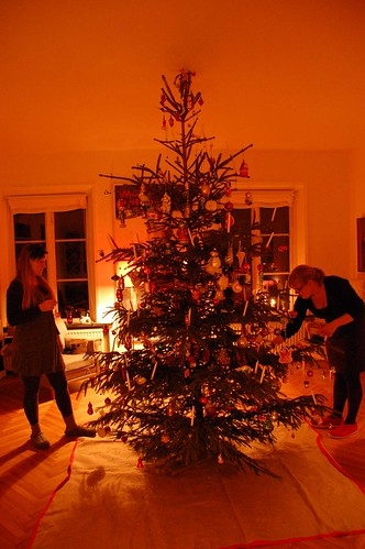 On the 23rd we decorated the Christmas Tree as we always do. This was the first time we did it away from home, but it worked fine anyway. Here you see my sister and my humble self.