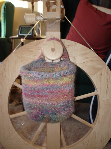 little spinning wheel bag 1-5-2009 3-45-41 PM
