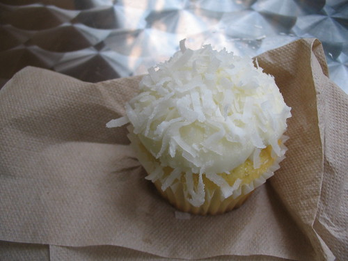 lime and coconut cupcake