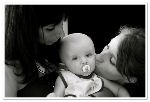 Loris, sa mère et sa tante