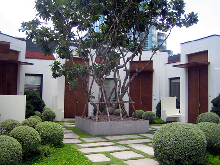 Grand_Hyatt_Erawan_Bangkok_Club_Isawan_1 by you.