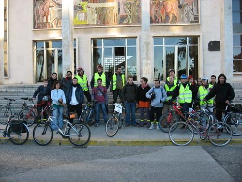 IV Marcha en bici pidiendo un carril Bici al Campus de Rabanales. 5 de marzo del 2008