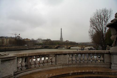 Vistas de la Torre Eiffel y el río Sena