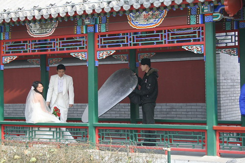 Bride and groom photo near Shi Cha Hai Lake, Beijing