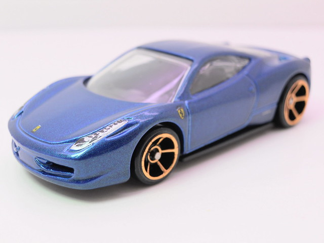 hot wheels ferrari 458 italia navy (2)