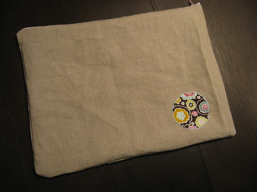 linen pouch w/applique