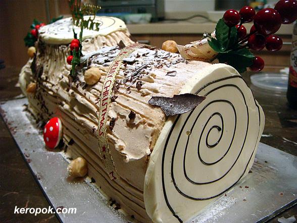 Log cake from Bengawan Solo