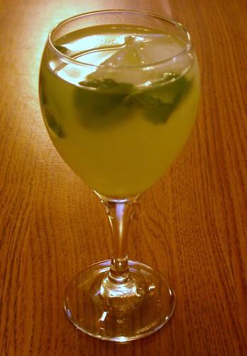 Agua de Limon con Mint