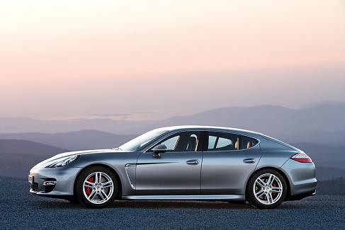 p porsche_panamera_turbo-05 by you.