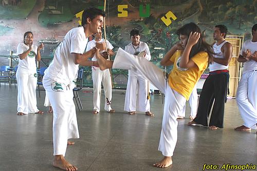 Capoeira Oxalá 21 por você.