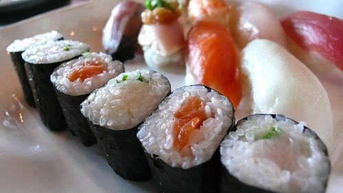 Sushi combo w/ nigiri