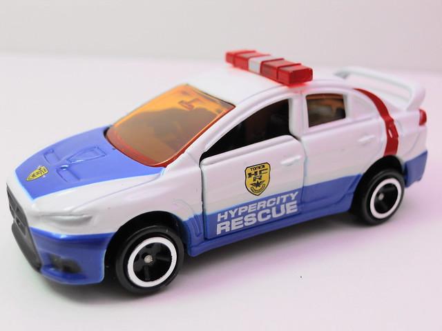 tomy tomica emergency police 2 car set (3)