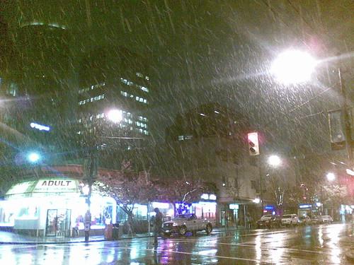 Snow! In Streetlights!