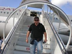Sr K Bajando del avión en Katmandú