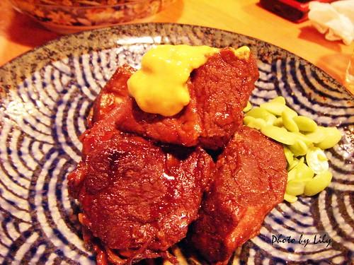 清燉豬肉塊。
