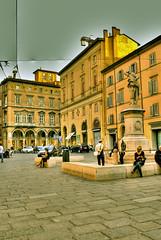 Bologna 20 (gatogrunge) Tags: italia cityscape bologna slowfood golddragon