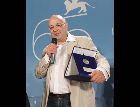 Premio_orizonti_Doc_para_Gianfranco_Rosi por ti.