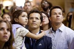 la niña, el padre y el tío