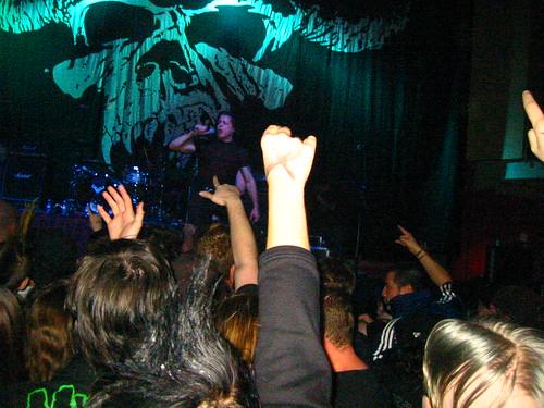 20071023 - Danzig - 140-4100 - Danzig singing, audience