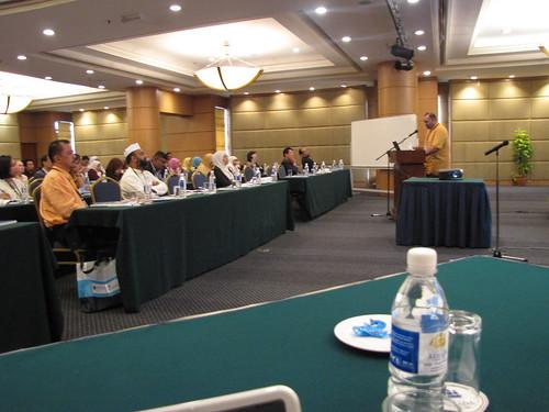 Rajendra Munoo presenting