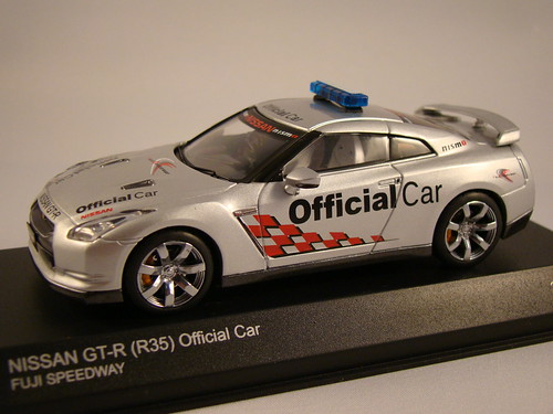 Kyosho Nissan Skyline R35 GTR Safety Car