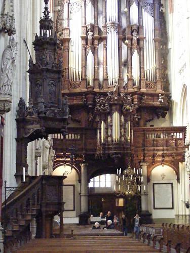 orgel_biechtstoel