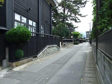 黒塀通り~割烹新多久~小町